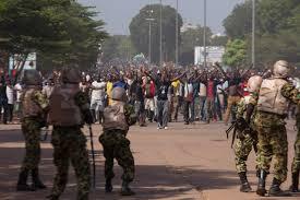 Une Manifestation contenue par l'armée